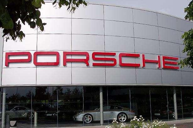 Влада Німеччини хоче відкликати 22 тис. автомобілів Porsche Cayenne