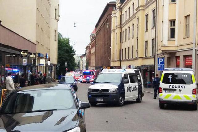 Автомобіль в'їхав унатовп вГельсінкі