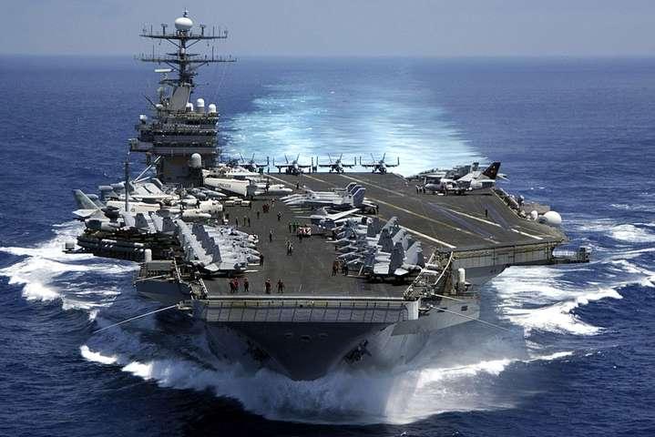 Тегеран стверджує, щокораблі США стріляли біля іранських кораблів