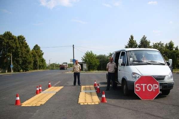 Через спеку на українських дорогах заборонено рух фур у денну пору