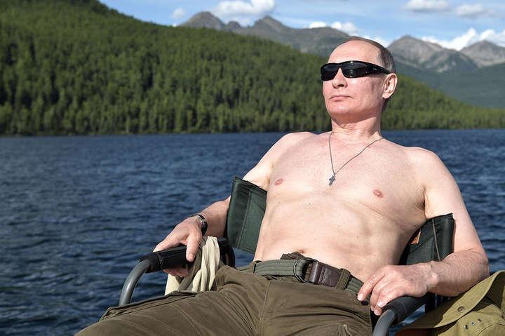 Путін порибалив йпополював під водою вТуві