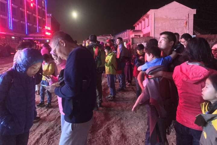 Китай сколихнув шестибальний землетрус: тисячі поранених