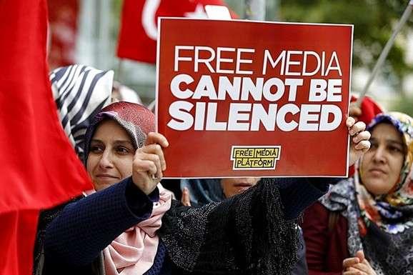 Влада Туреччини заарештувала десятки журналістів за підозрою втероризмі