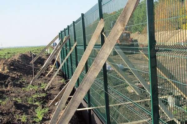 Вартість будівництва кілометра «Стіни» становить 2 млн грн
