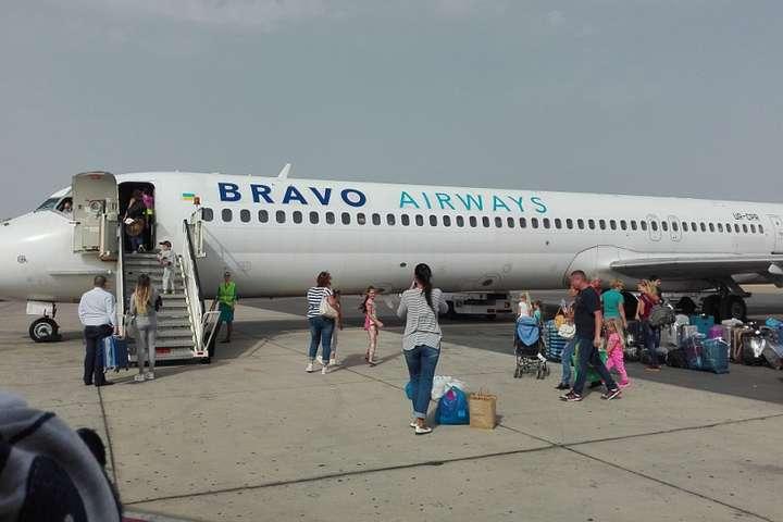 Рейс зАнталії доКиєва затримали через несправність літака
