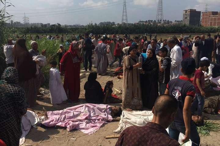 В Єгипті зіткнулися пасажирські потяги: десятки загиблих і постраждалих