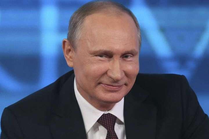 Кремль оголосив про скорочення у2018 році витрат наоборону