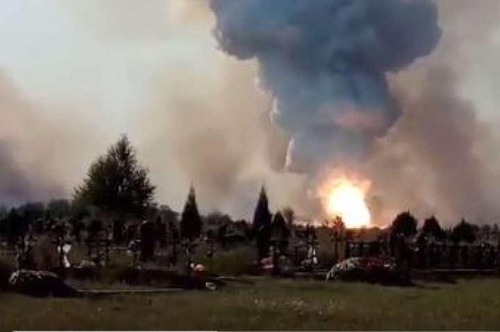 Очевидці повідомили про пожежу врайоні хімзаводу вокупованому Донецьку— соцмережі