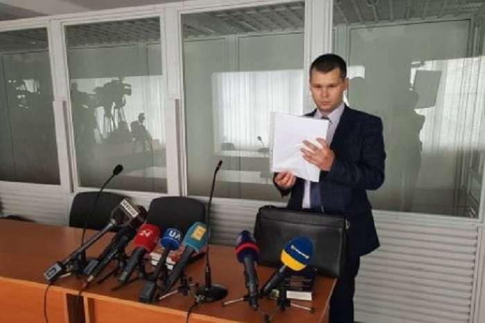 Держадвокат Януковича хоче відмовитись захищати екс-президента