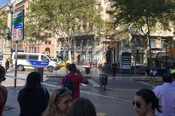 Мікроавтобус в'їхав внатовп вБарселоні
