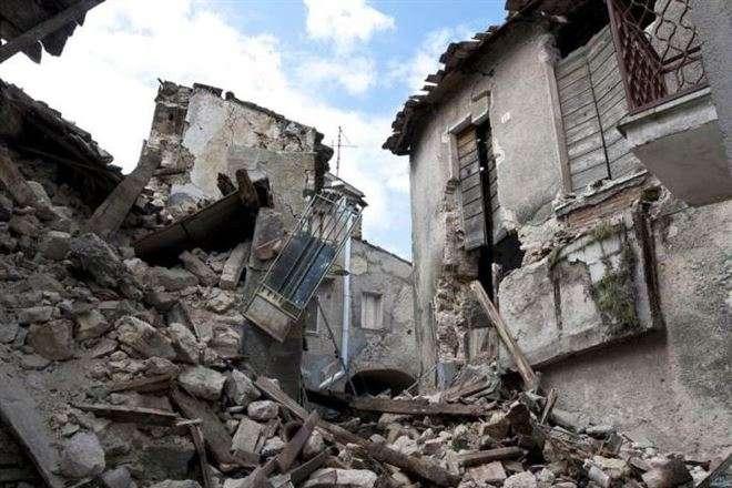 Сильний землетрус наострові Іск'я в Італії (відео)