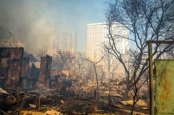 Пожежа і вибухи вРостові-на-Дону: відео