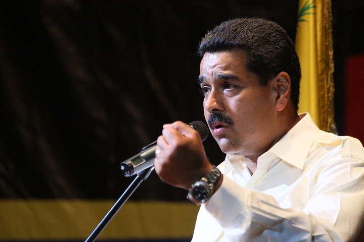 Нові санкції не є нафтовим ембарго проти Венесуели, заявили вСША