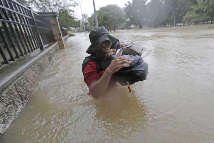 Ураган Харві уСША: повені затопили місто Х'юстон, є загибла