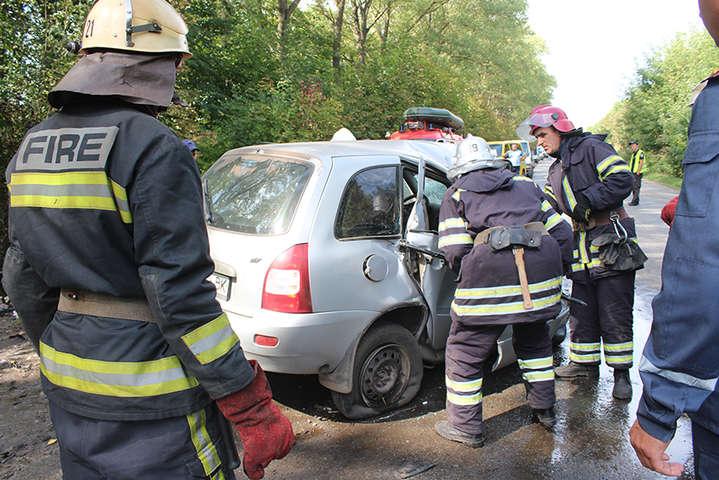Лобове зіткнення автівок наХмельниччині: чотири людини загинули