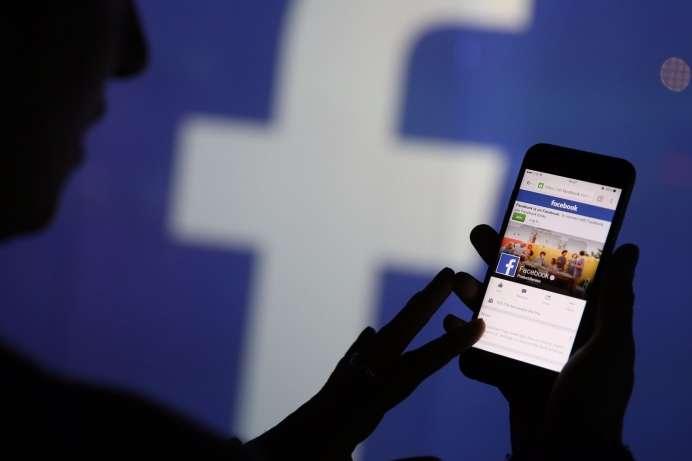 Facebook вимагає від російської платіжної системи передати їй домен facebook.ru