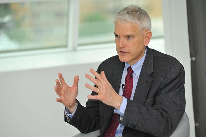 Стівен Пайфер — Посол США написав про «жорстоку любов» до України