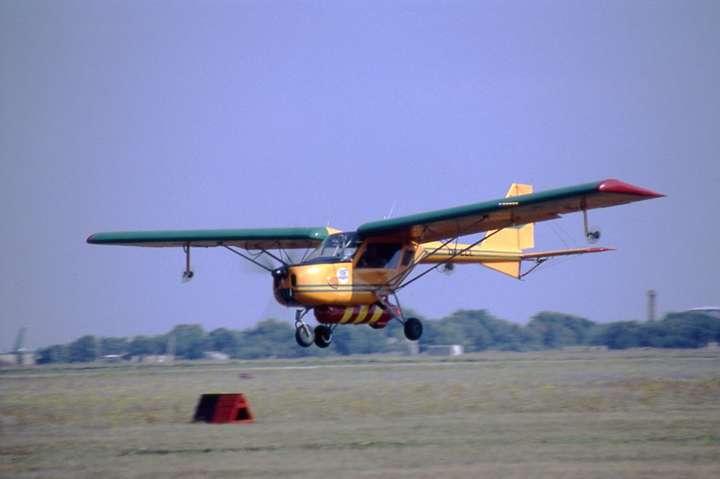 В Балаклії обстріляли літак, який пролетів над військовою частиною