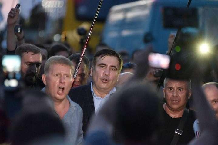 Польські прикордонники пропустили Саакашвілі. ВУкраїні «заміновано»