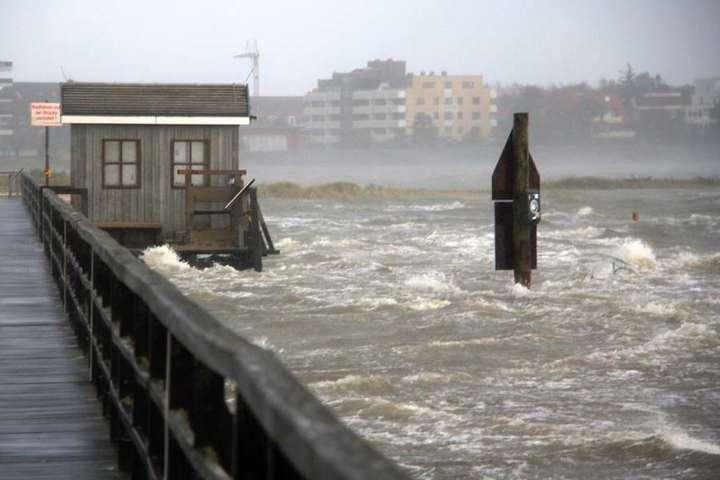 Ураган Марія посилився дочетвертої категорії