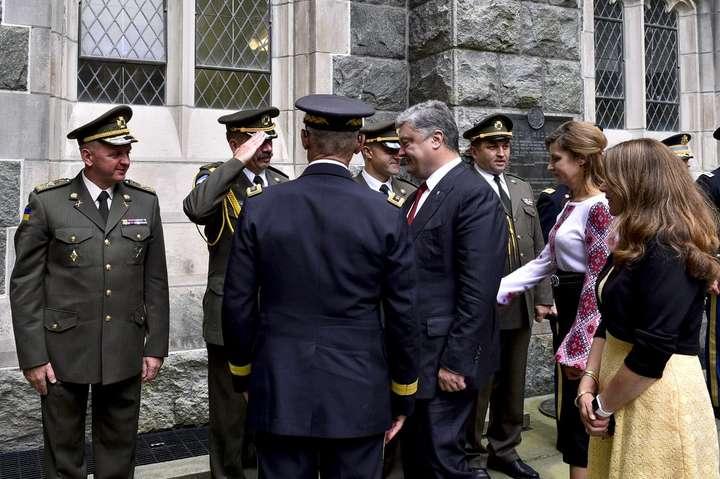 Зоборонною зброєю вУкраїни Росія двічі подумає перед наступом— Порошенко