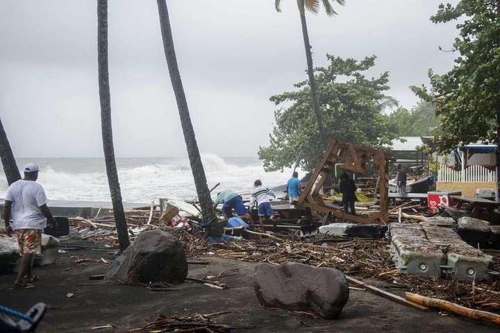 МЗС закликає українців не їхати докраїн Карибського басейну через ураган «Марія»