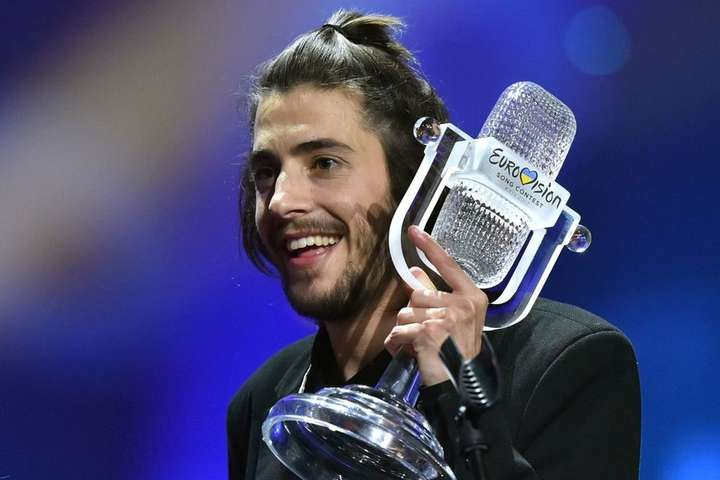 Переможець Євробачення-2017 помирає без нового серця