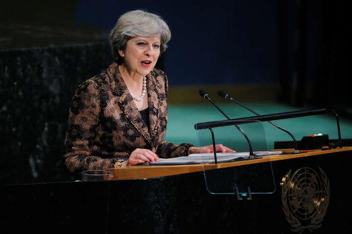 Прем'єр Британії: Окремі країни через посередників підтримують терористів наДонбасі