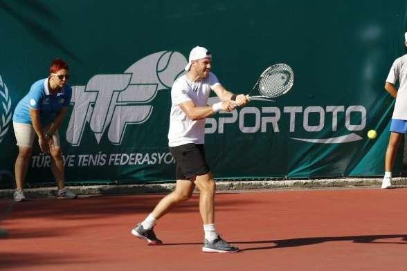 Тенісист Ілля Марченко в Ізмірі виграв свій перший титул усезоні
