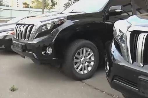 СМИ показали новые элитные авто украинских чиновников— парк автомобилей наполмиллиарда