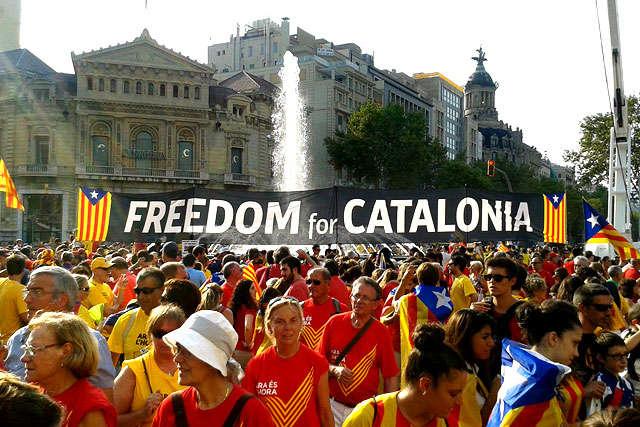 Поліція вилучила 2,5 млн бюлетенів для каталонського референдуму