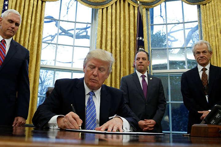 Трамп підписав документ про квоти наприйом біженців