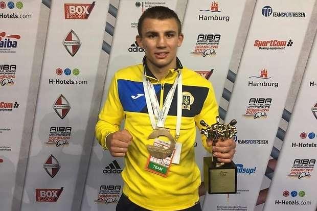 Боксера Хижняка визнано найкращим спортсменом України увересні