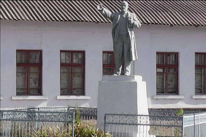 ВОдесской области восстановили монумент Ленину