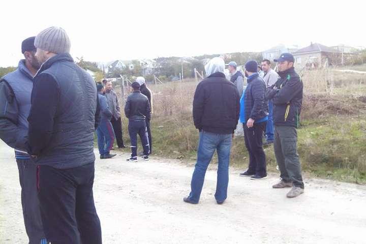 Силовики прийшли зобшуком докримських татар уБахчисараї