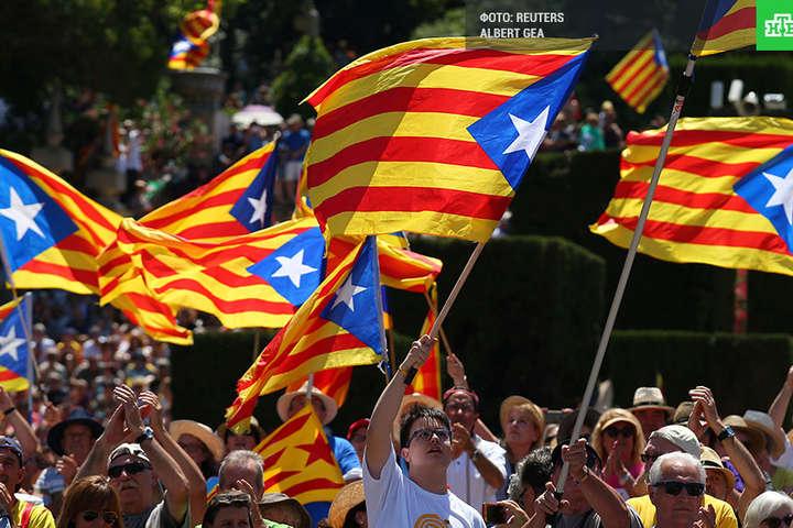 Мадрид візьме під контроль Каталонію уразі неоднозначної відповіді про незалежність— уряд