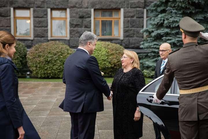 Порошенко поблагодарил Мальту запродление антироссийских санкций