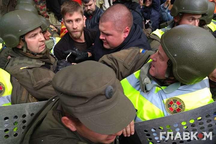 Затримані під Радою бойовики Саакашвілі повернулися до наметового містечка