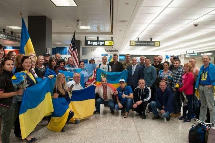 Порошенко привітав українців, які завоювали 10 медалей наМарафоні Морської піхоти США