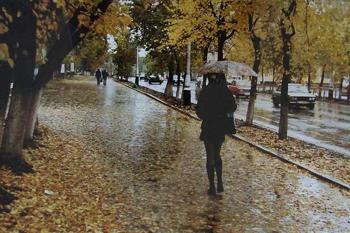 Погода на 27 жовтня: синоптики обіцяють невеликі дощі