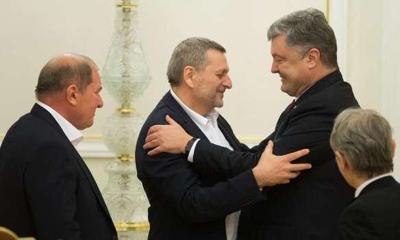 Україна звільнить окупований Донбас танезаконно анексований Крим— Порошенко
