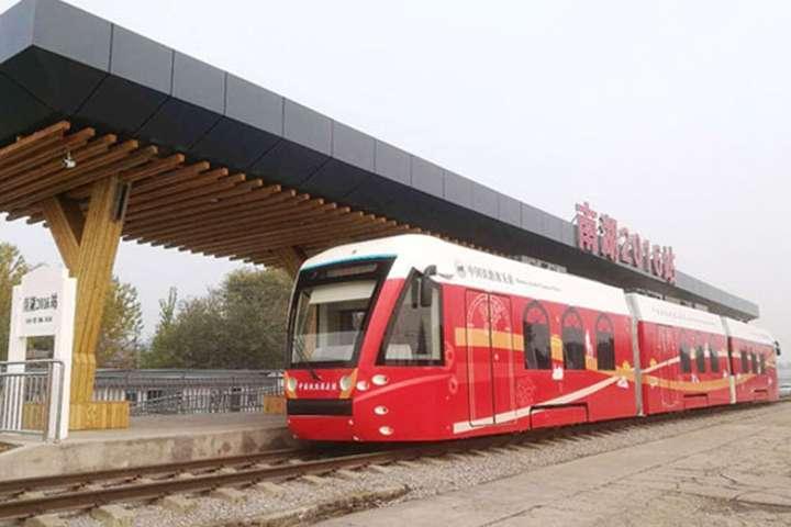 У Китаї запустили перший у світі водневий трамвай