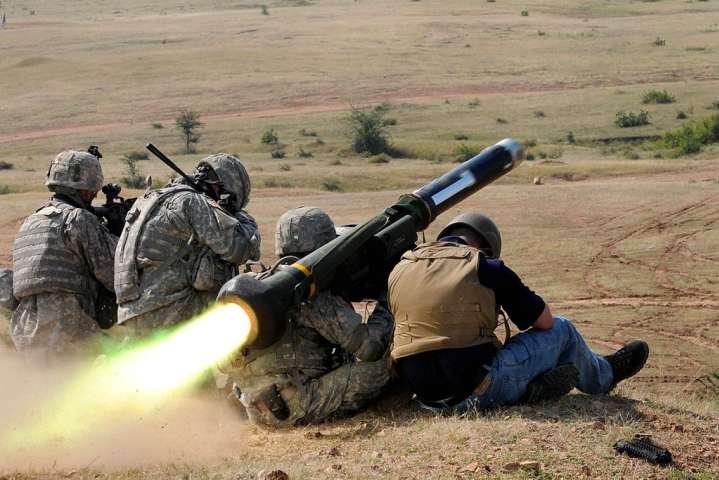 Американські ЗМІ розказали про можливий сценарій надання Україні летальної зброї