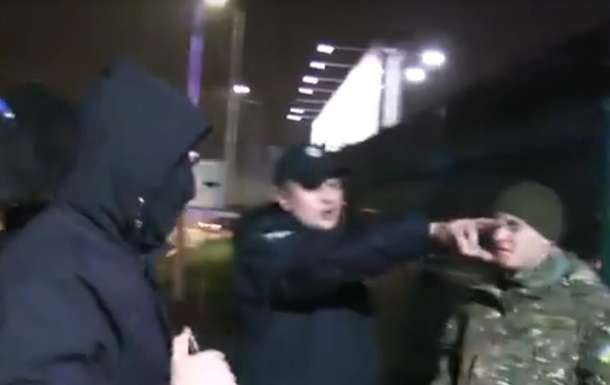 Поліція розслідує напад нажурналістів ваеропорту «Київ»