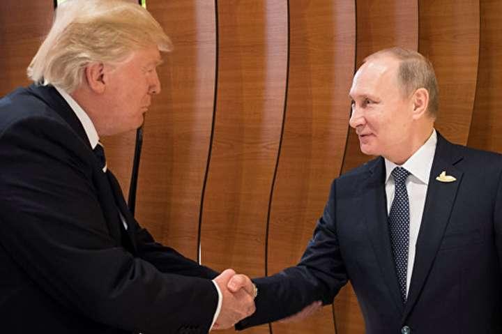 Блискавична зустріч: стало відомо, про щоговорили Путін і Трамп