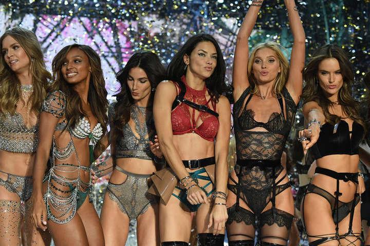 Шоу Victoria's Secret пройдёт без модели из Заполярья Кати Григорьевой
