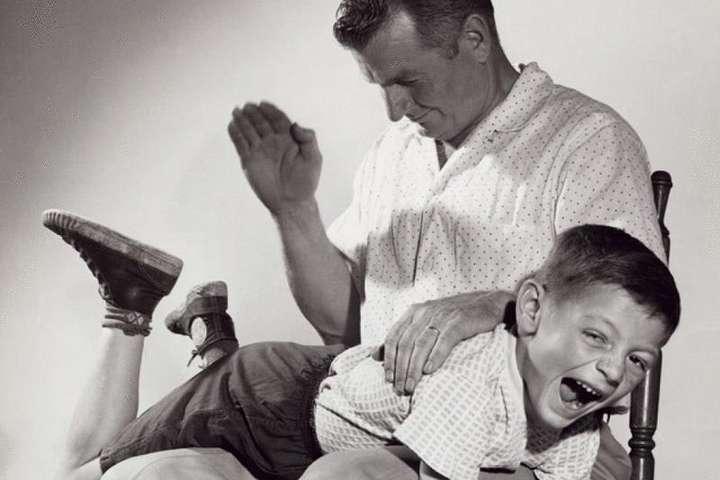 Вчені довели шкоду від лупцювання дітей