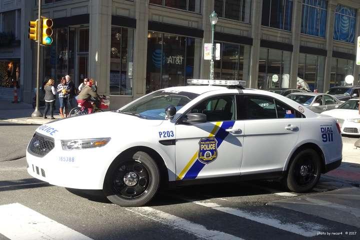 У США невідомі напали на поліцейський відділок