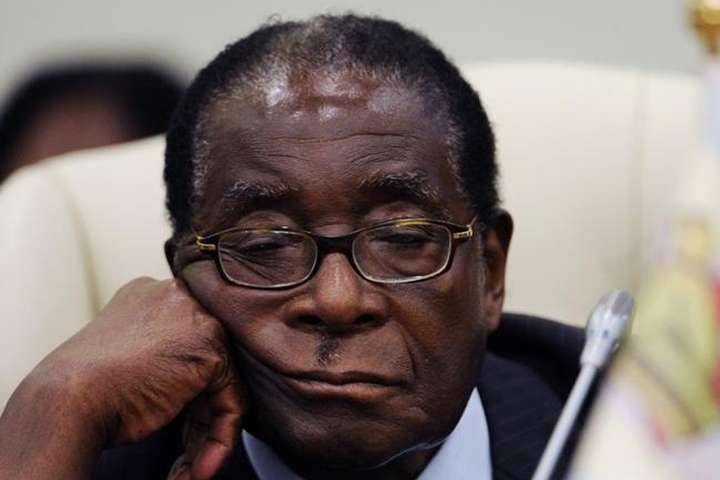 Правляча партія Зімбабве запланувала усунення Мугабе нанеділю