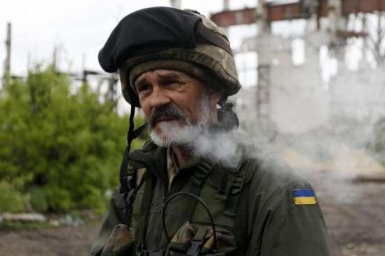 Українським військовим дозволили вуса і бороди